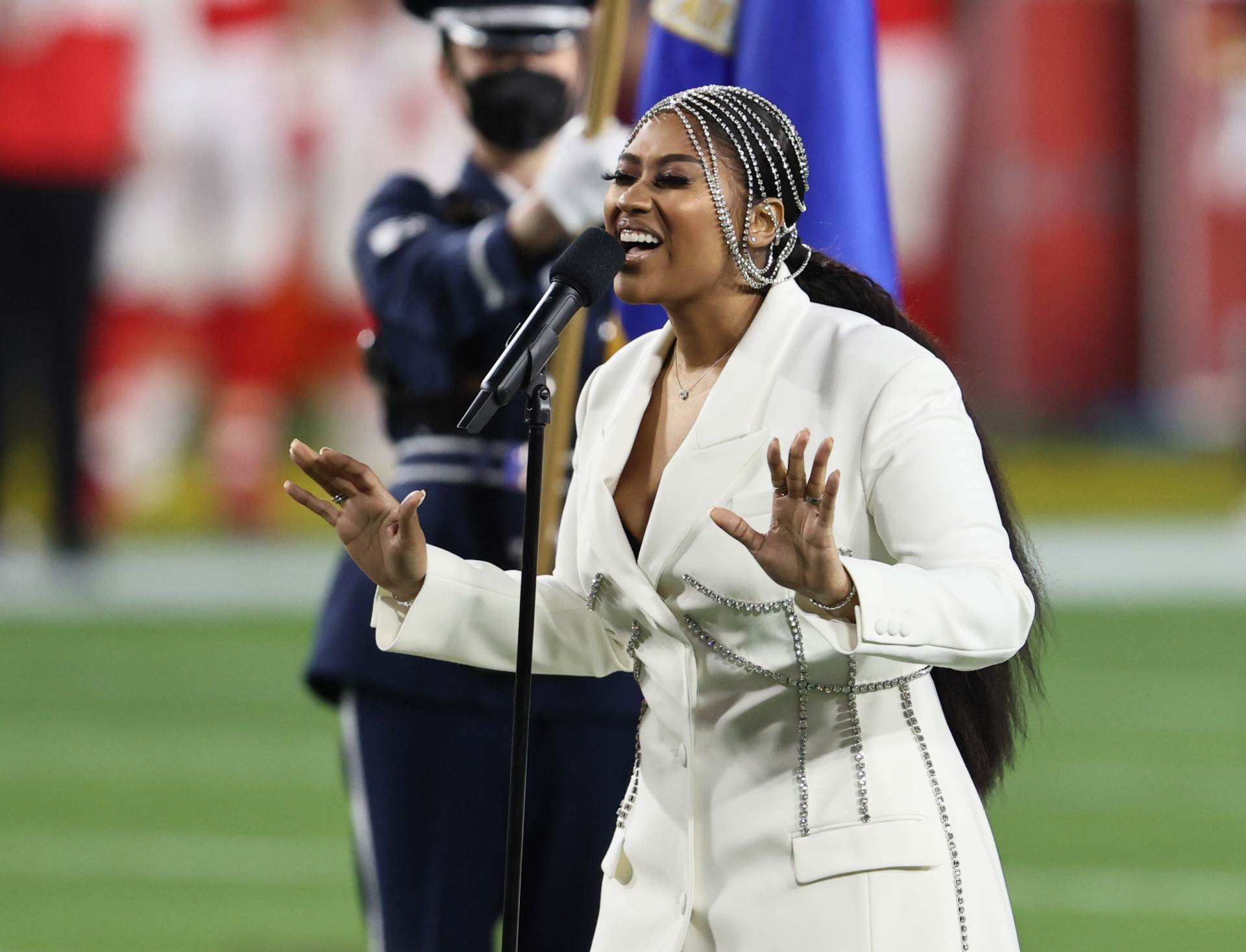 Feb 7, 2021; Tampa, FL, USA; Recording artist Jazmine Sullivan performs the national anthem before Super Bowl LV between the Tampa Bay Buccaneers and the Kansas City Chiefs at Raymond James Stadium.,Image: 589497318, License: Rights-managed, Restrictions: *** World Rights ***, Model Release: no, Credit line: USA TODAY Network / ddp USA / Profimedia